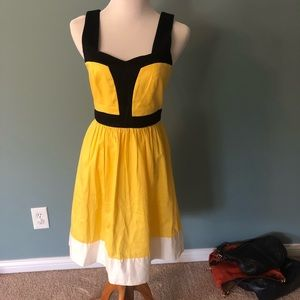 Yellow and black color block dress w/pocket detail